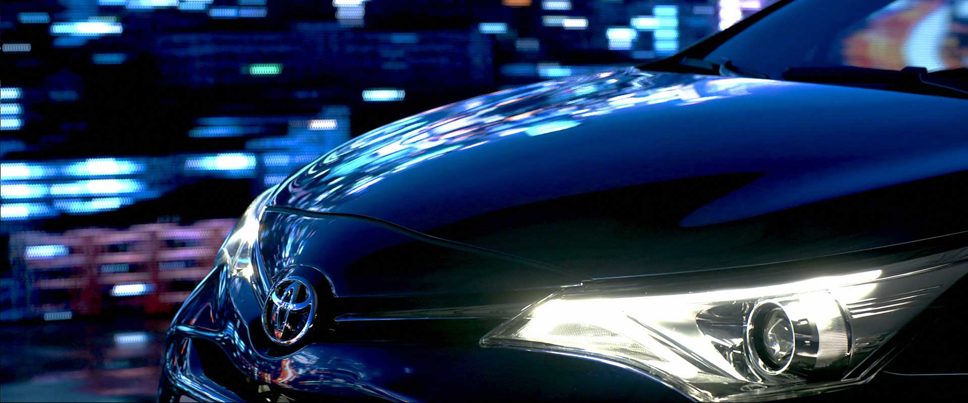 Frontview detail. Still from Toyota Avensis - Commercial